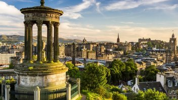 Beautiful view of the city of Edinburgh; Shutterstock ID 112513559; Departmental Cost Code : 960590; Project Code: UK Cap Stat